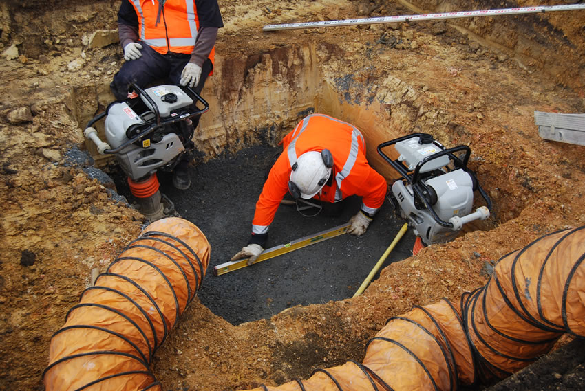 Plastic Manhole Chamber Installation - Levelling of Bedding